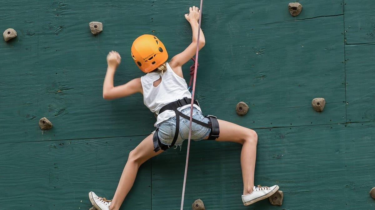 Klettern ist eine der vielen Indoor Aktivitaeten im Sauerland