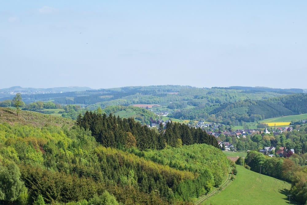 Ein typischer Ausblick auf die Landschaft im Sauerland