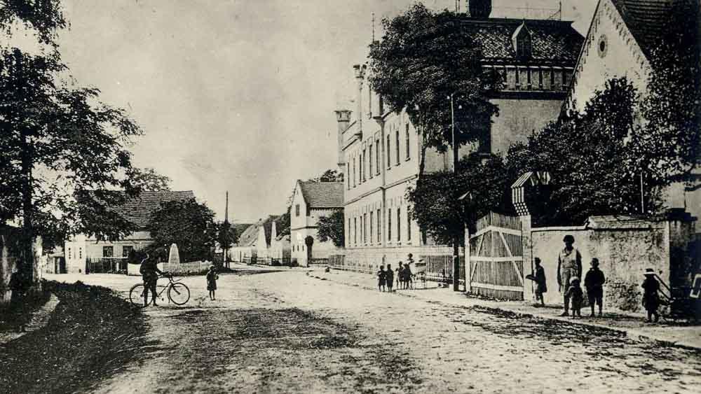 Das kleine Dorf Gusten in Schlesien