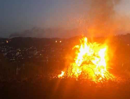 Osterfeuer: Tradition im Sauerland