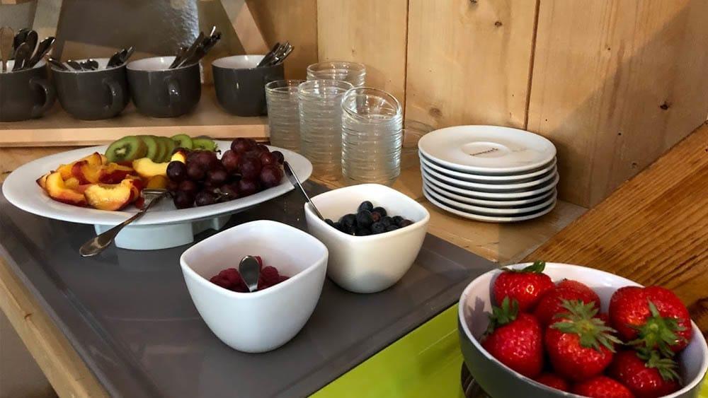 Frisches Obst beim Frühstück im Hofcafe Sundern