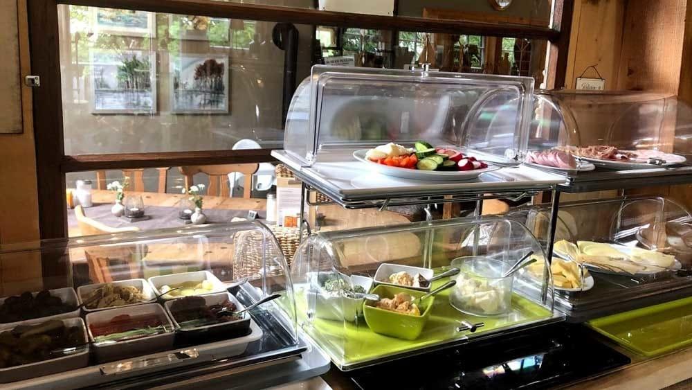 Regionales Frühstück im Sauerland im Hofcafe Sundern