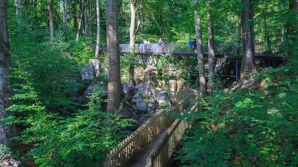 Brücke und Steg im Felsenmeer Hemer