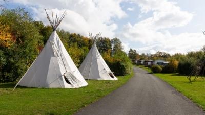 Tipis und Mobilheime auf dem KNAUS Campigpark Hennesee
