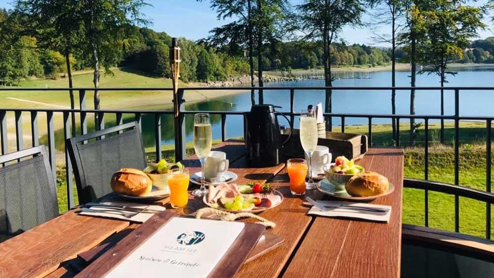 H1 am See – Urlaubsfeeling mit Genuss an Hennesee im Sauerland
